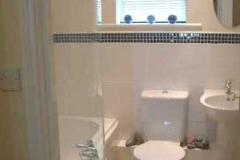 Riverside Cottage bathroom 1