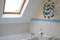 Riverside Cottage bathroom 2