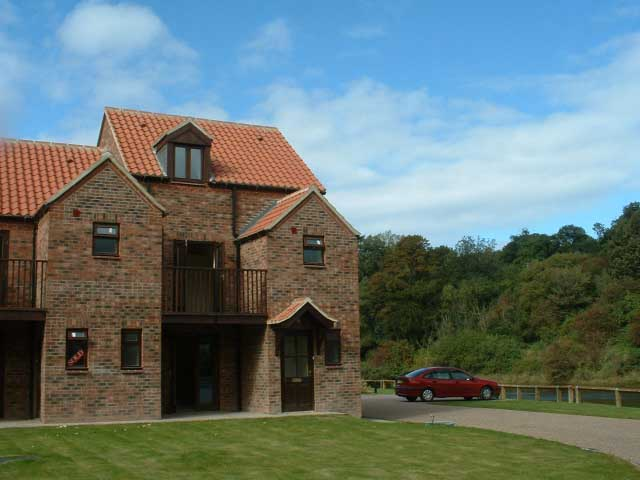 Riverside self catering Cottage in Whitby exterior
