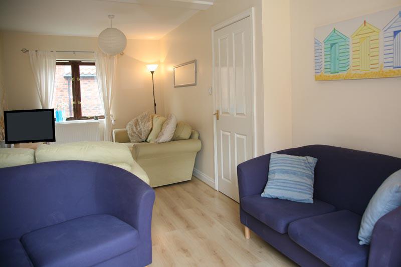 Riverside Cottage lounge riverside photos