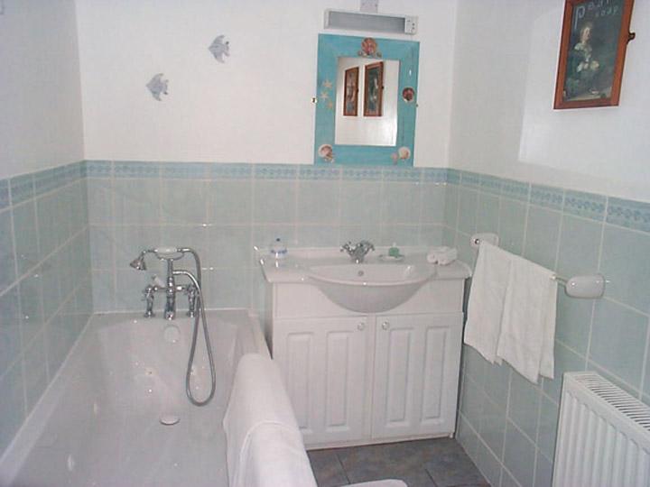 Awd Tuts Cottage master bathroom