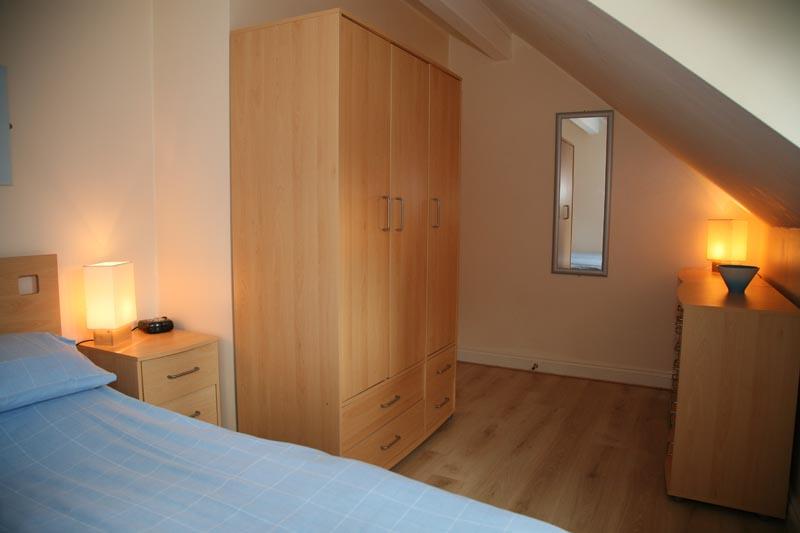 Riverside Cottage riverside photos front bedroom