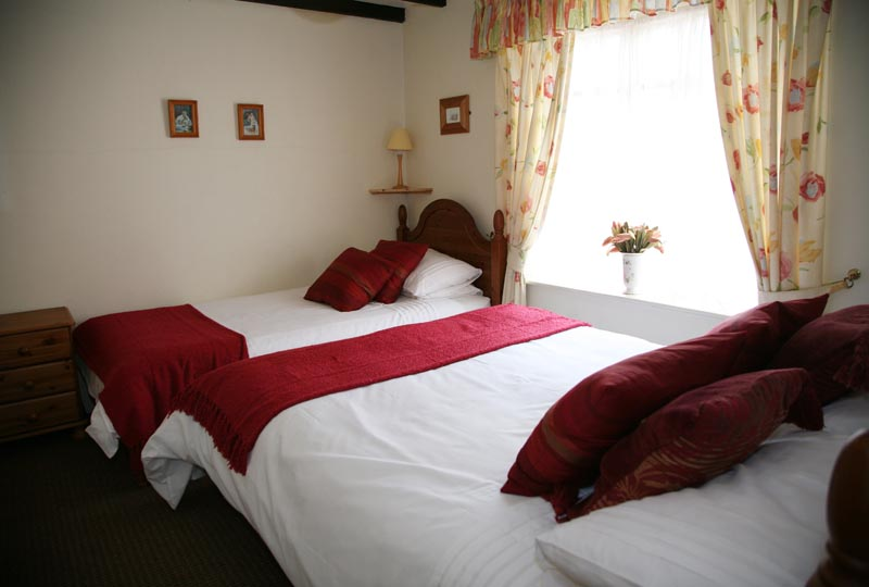 bedroom 2 - Awd Tuts Self Catering Holiday Cottage