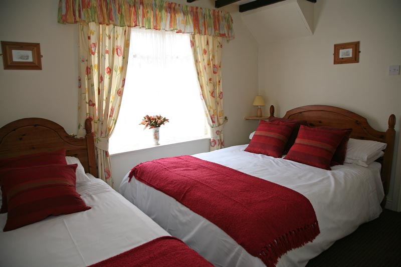photos bedroom 2 near master bathroom - Awd Tuts Self Catering Holiday Cottage